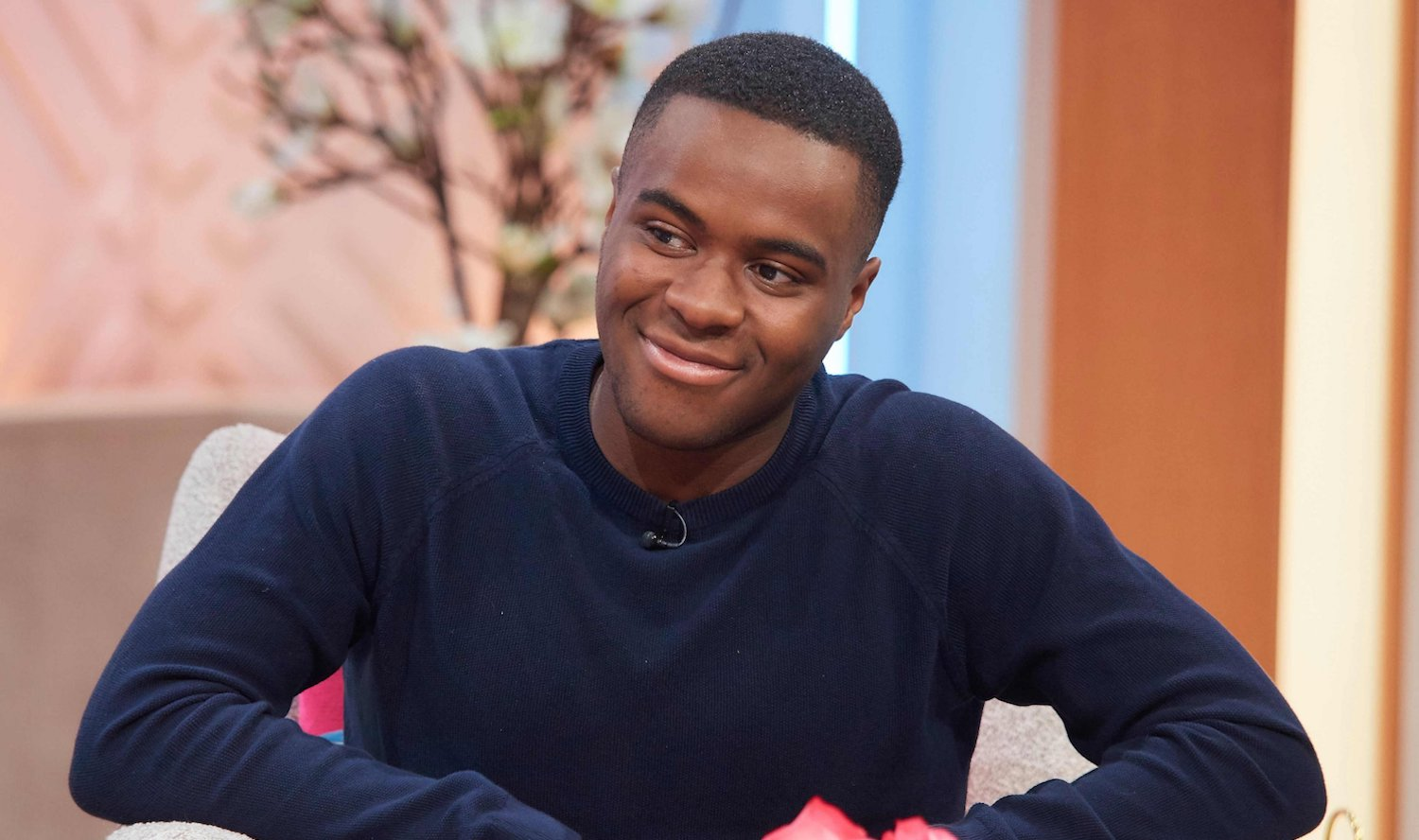 Who is Liam Charles dating? Bake Off star makes public apology to girlfriend Alexis