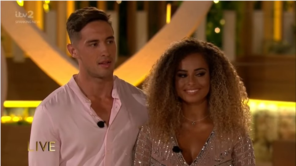 Greg O'Shea and Amber winning Love Island