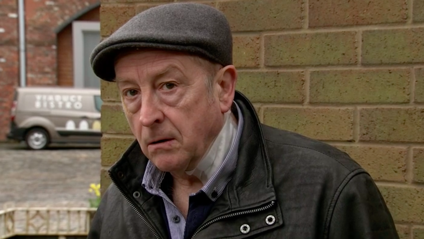 Coronation Street fans overjoyed as Alya humiliates abuser Geoff Metcalfe