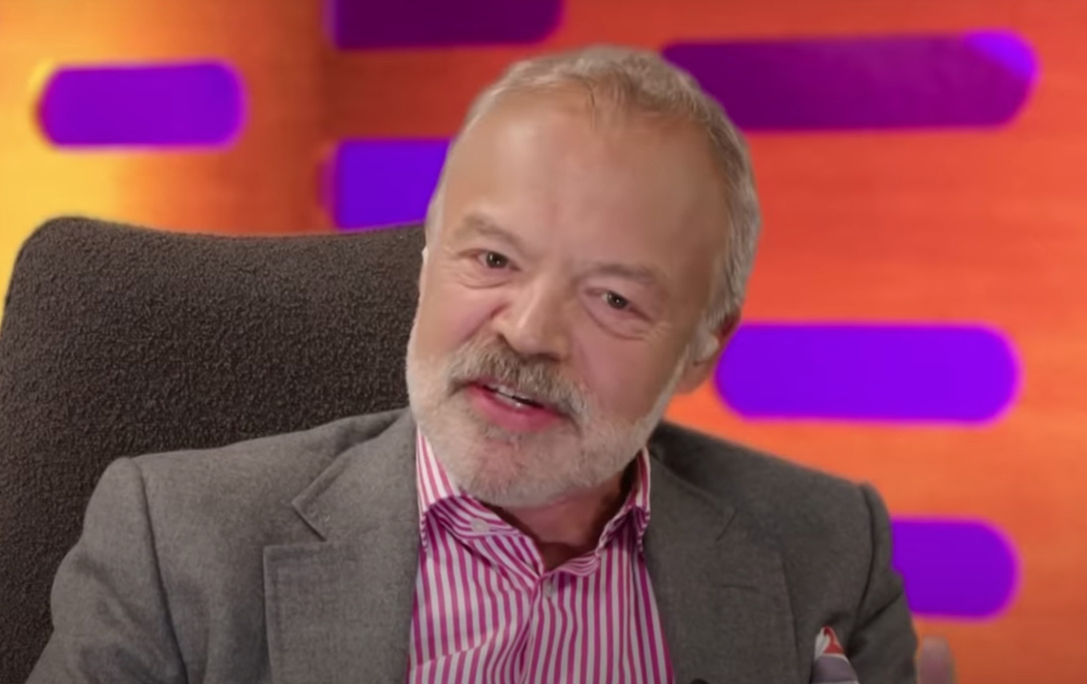 Graham Norton leaves viewers bewildered with 'confusing' lockdown message