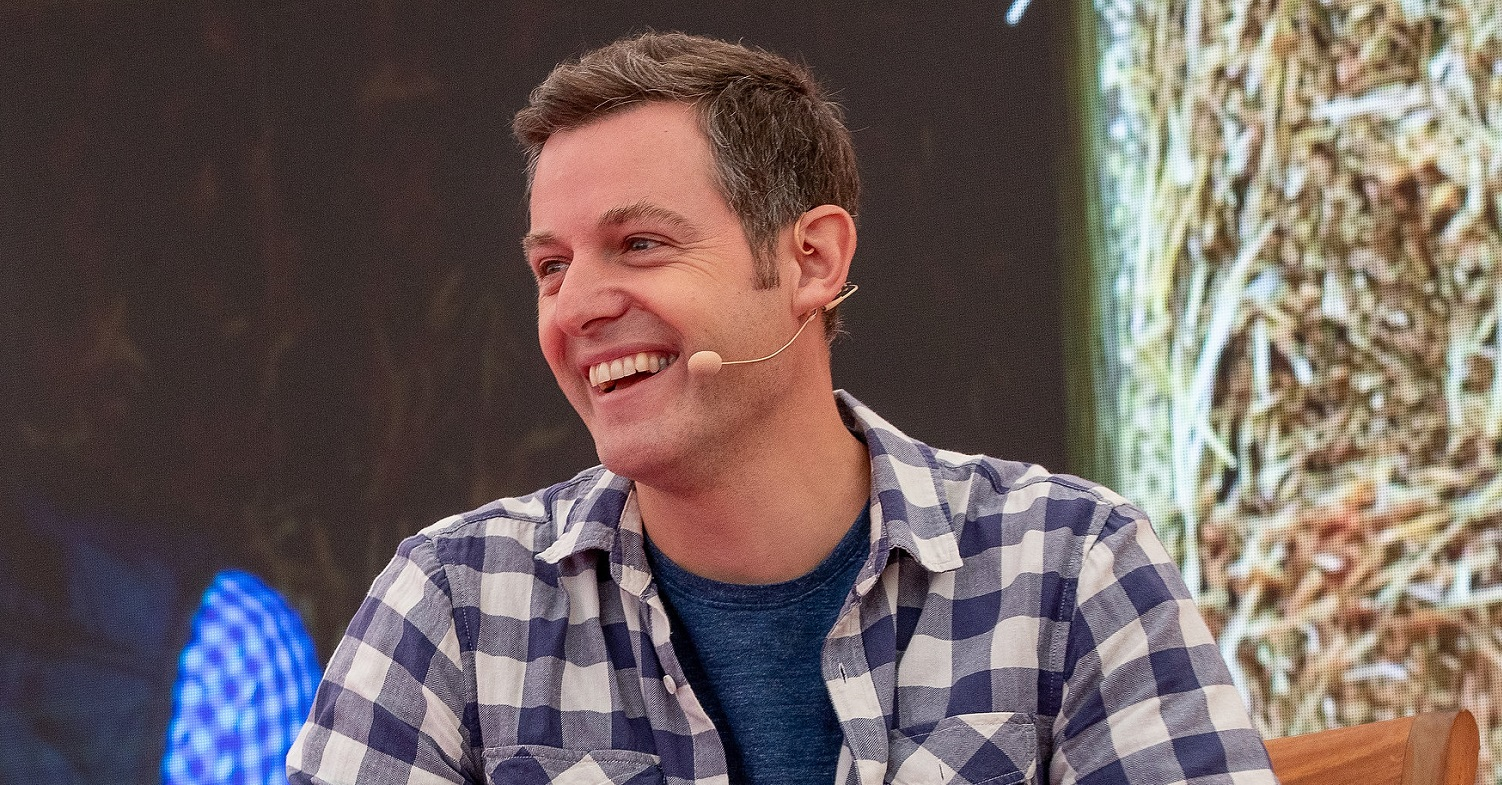 Presenter Matt Baker wows fans with his painting skills