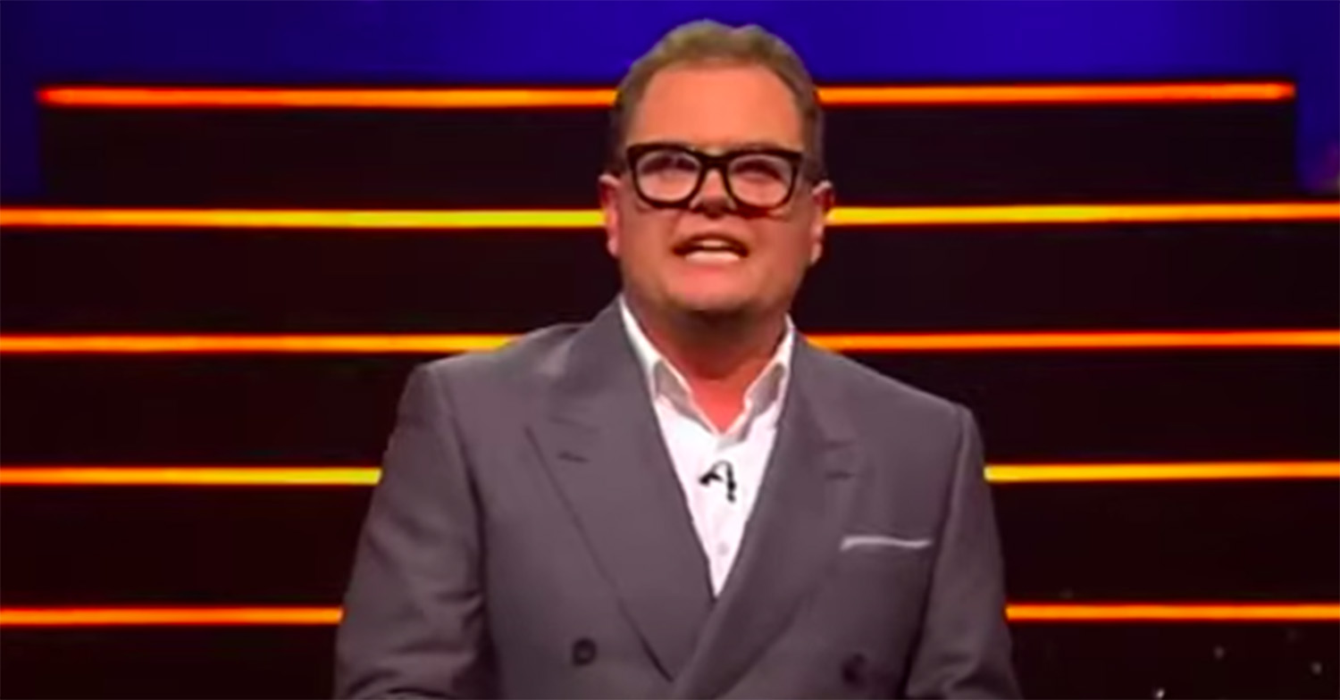 ITV viewers spot hilarious blunder in Alan Carr's Epic Gameshow