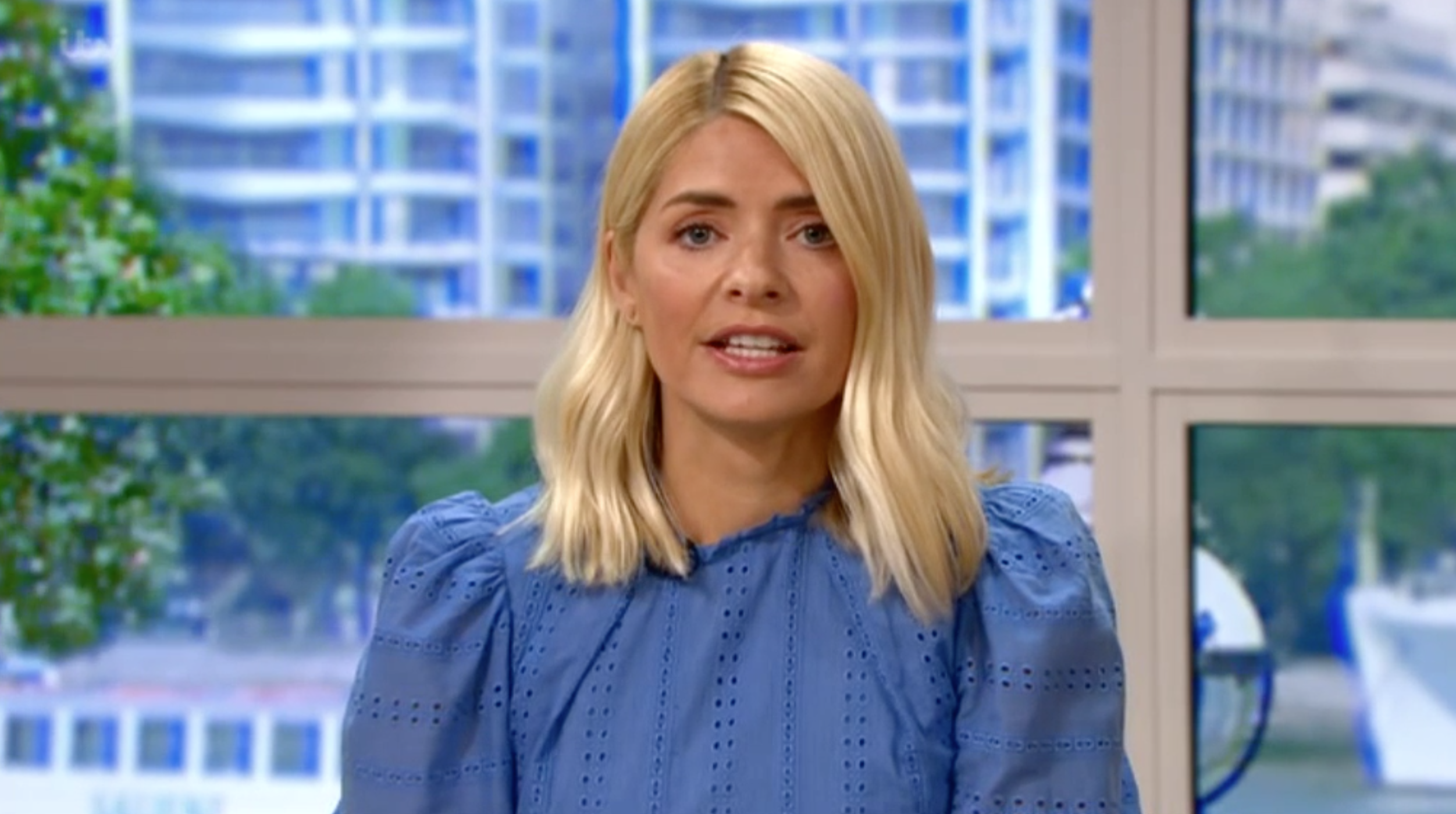 This Morning viewers shocked at the price of Holly Willoughby's dress