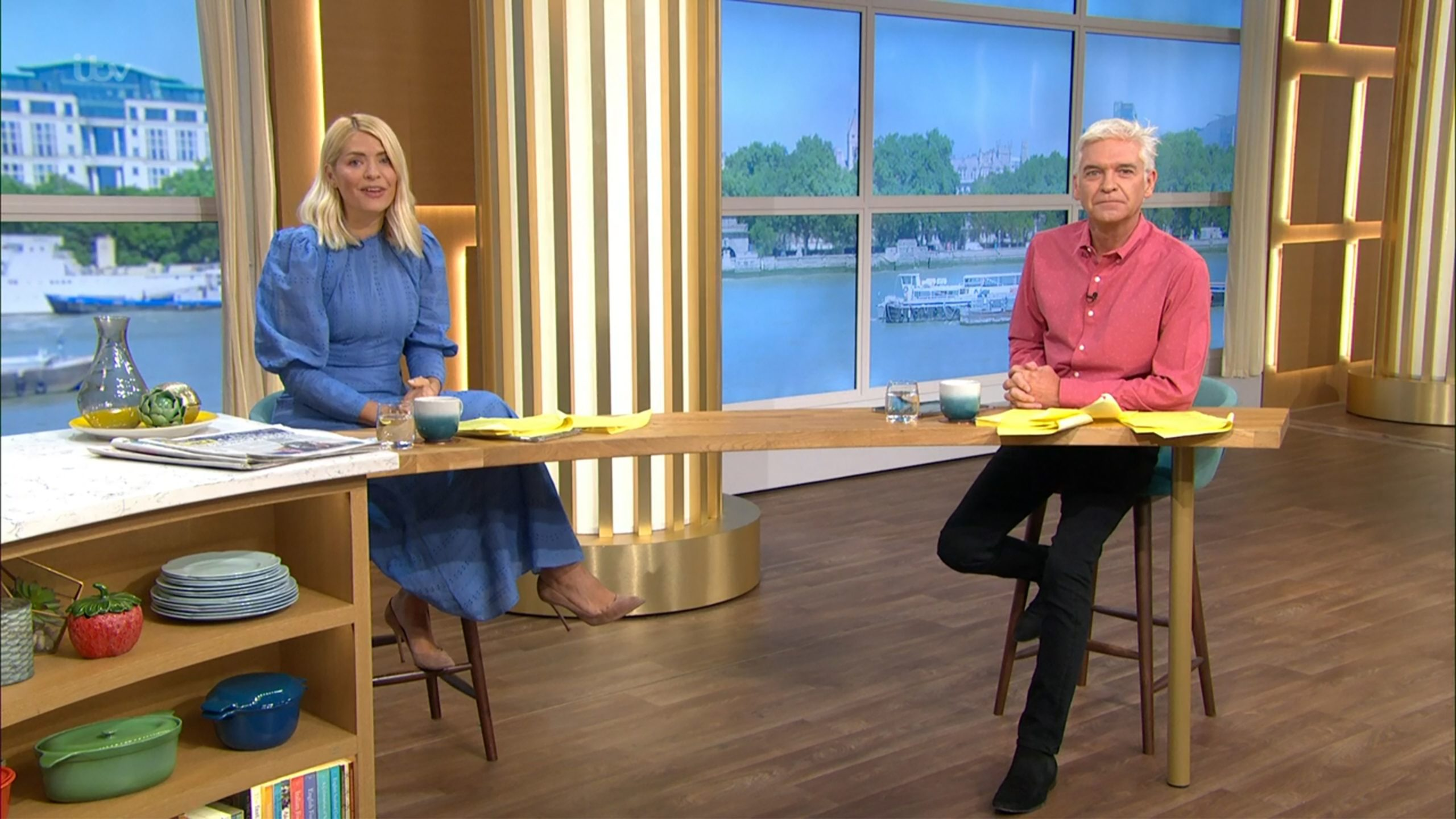 This Morning hosts Holly and Phil in hysterics as they debate 'butt cracks' and 'poop' in hot tubs