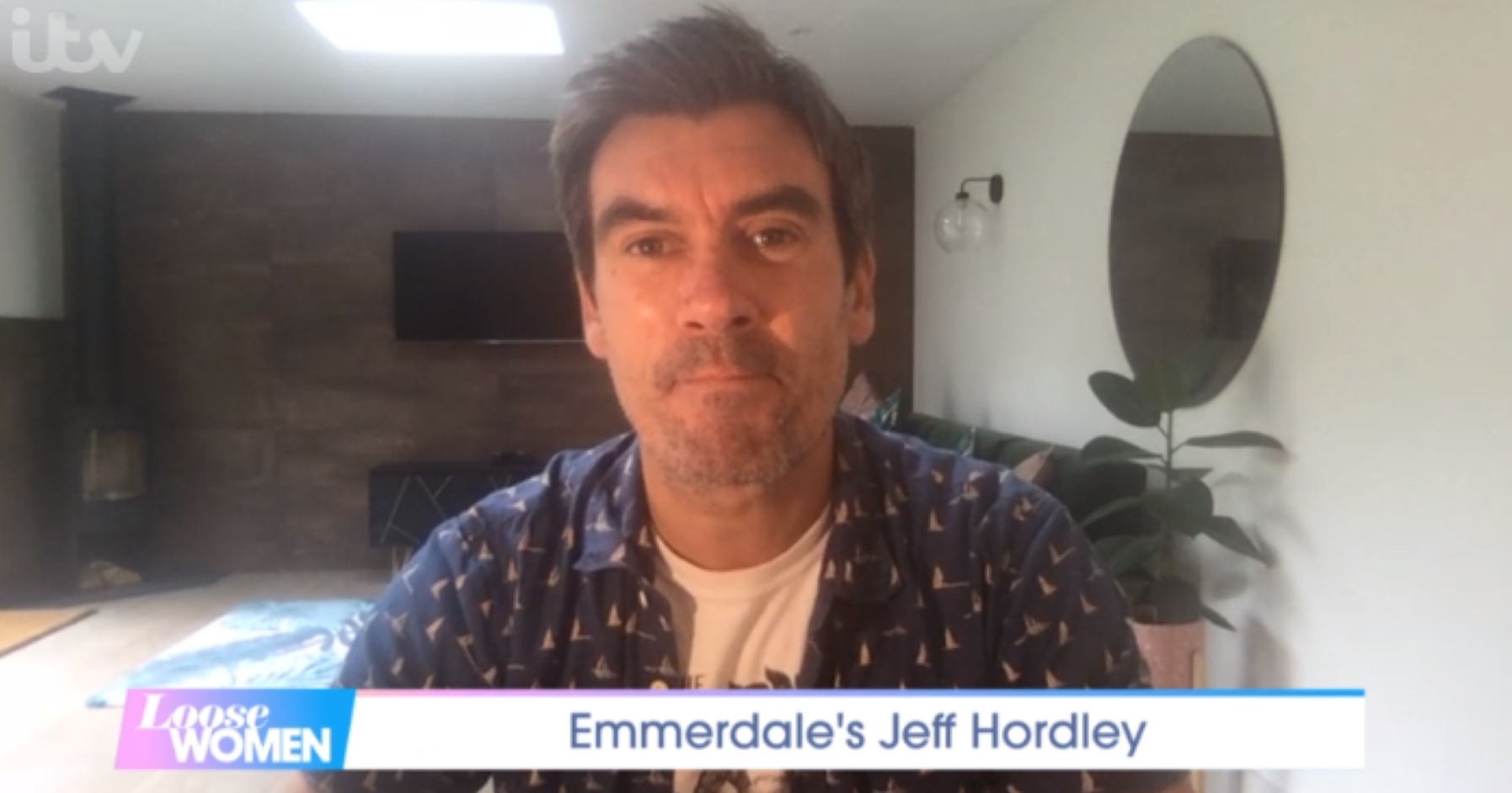 Emmerdale star Jeff Hordley introduces new puppy on Loose Women