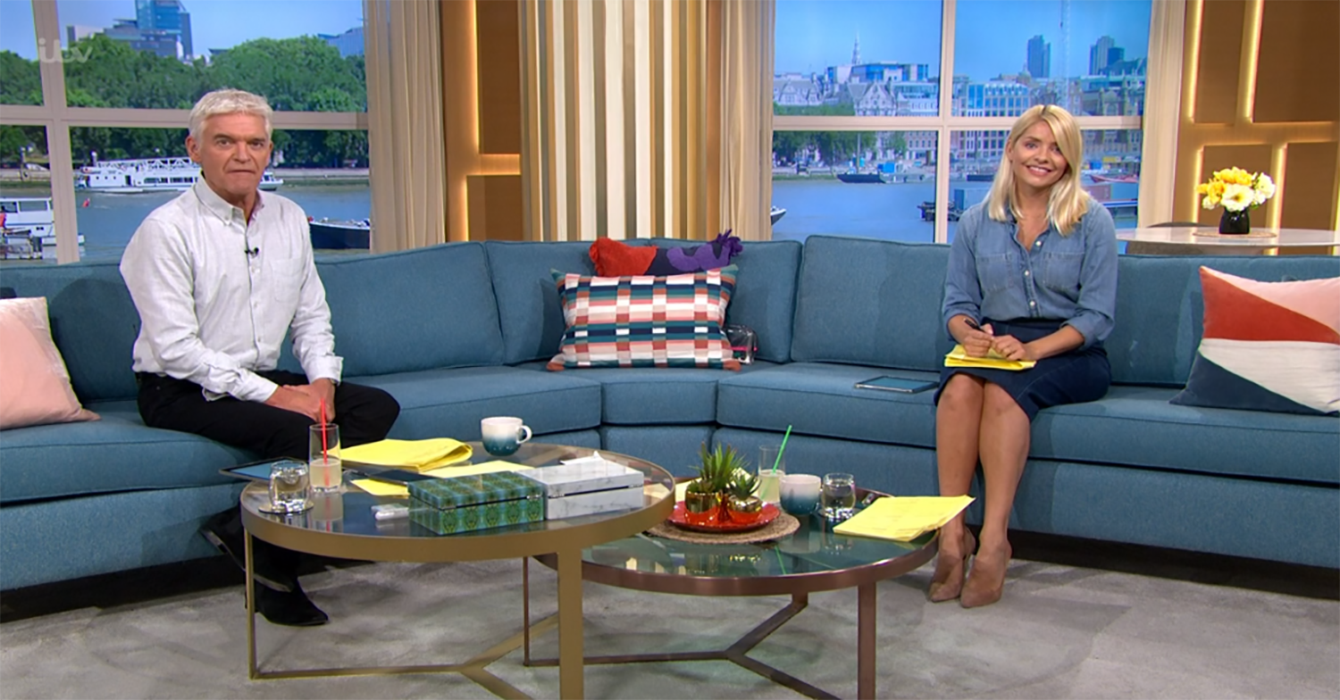 Phil and Holly shocked as This Morning plunged into darkness after technical blunder