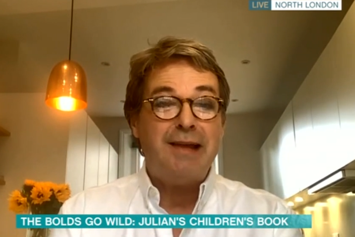This Morning viewers shocked as Julian Clary makes rude remark to Holly Willoughby