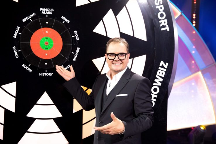 Alan Carr's Epic Gameshow viewers left disappointed over Bullseye remake