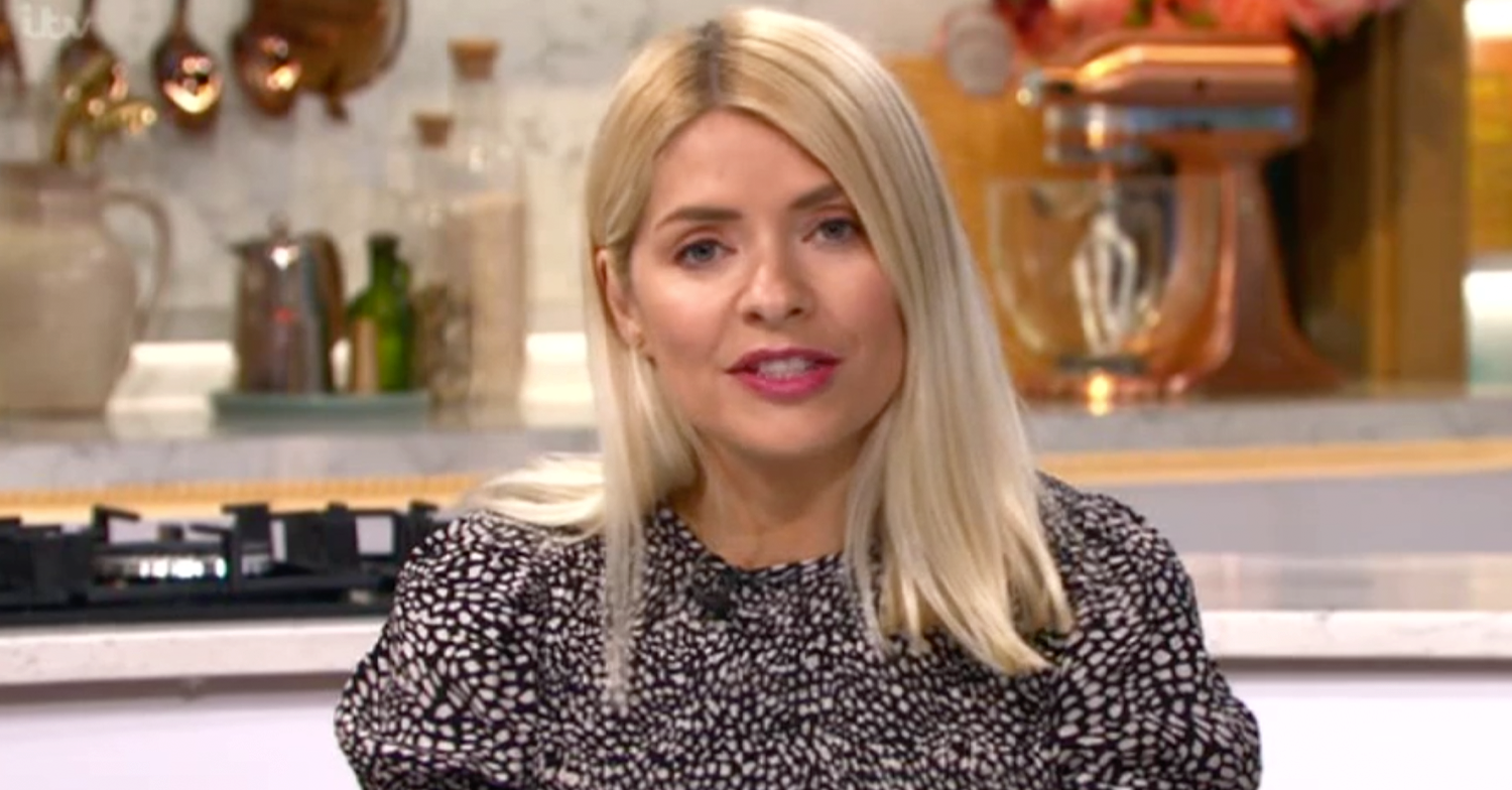Holly Willoughby asks her followers for beauty advice on Instagram