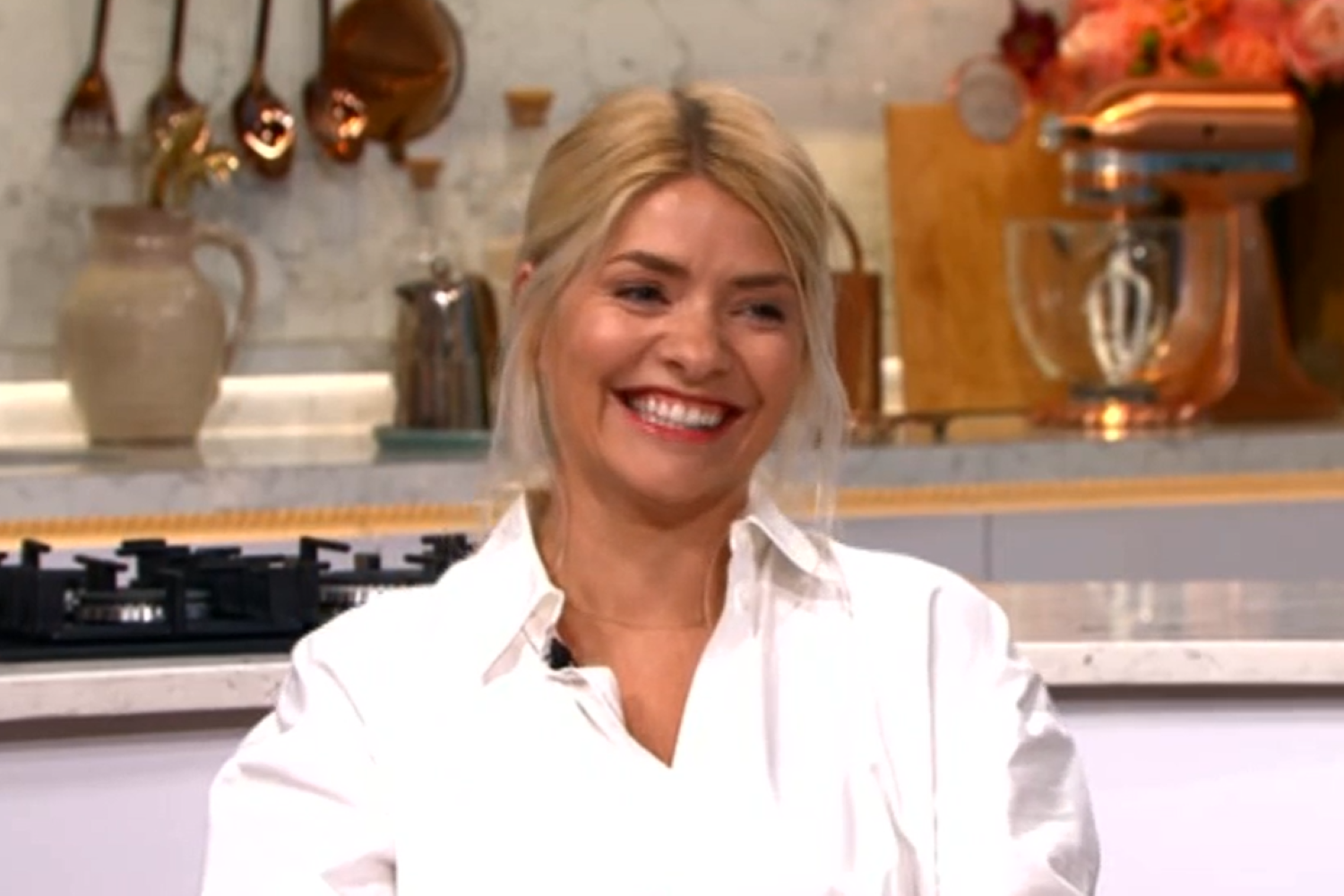 This Morning: Holly Willoughby nearly exposes her underwear