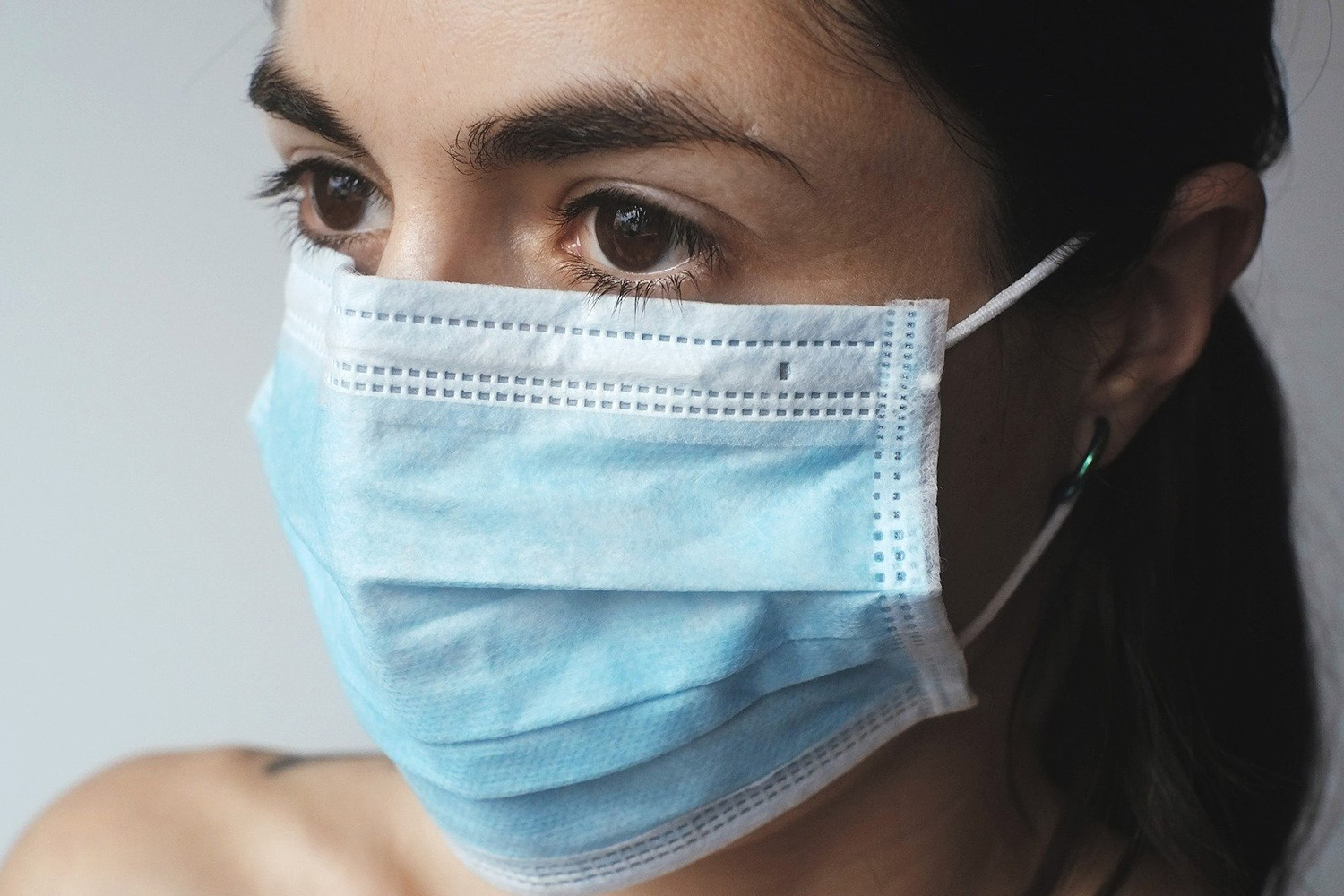 Public divided over possibility of mandatory face masks in shops
