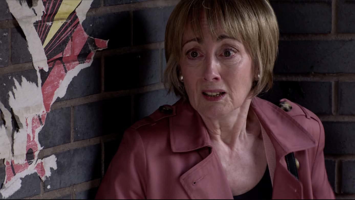 Will Elaine help Yasmeen in Corrie? (Credit: ITV)