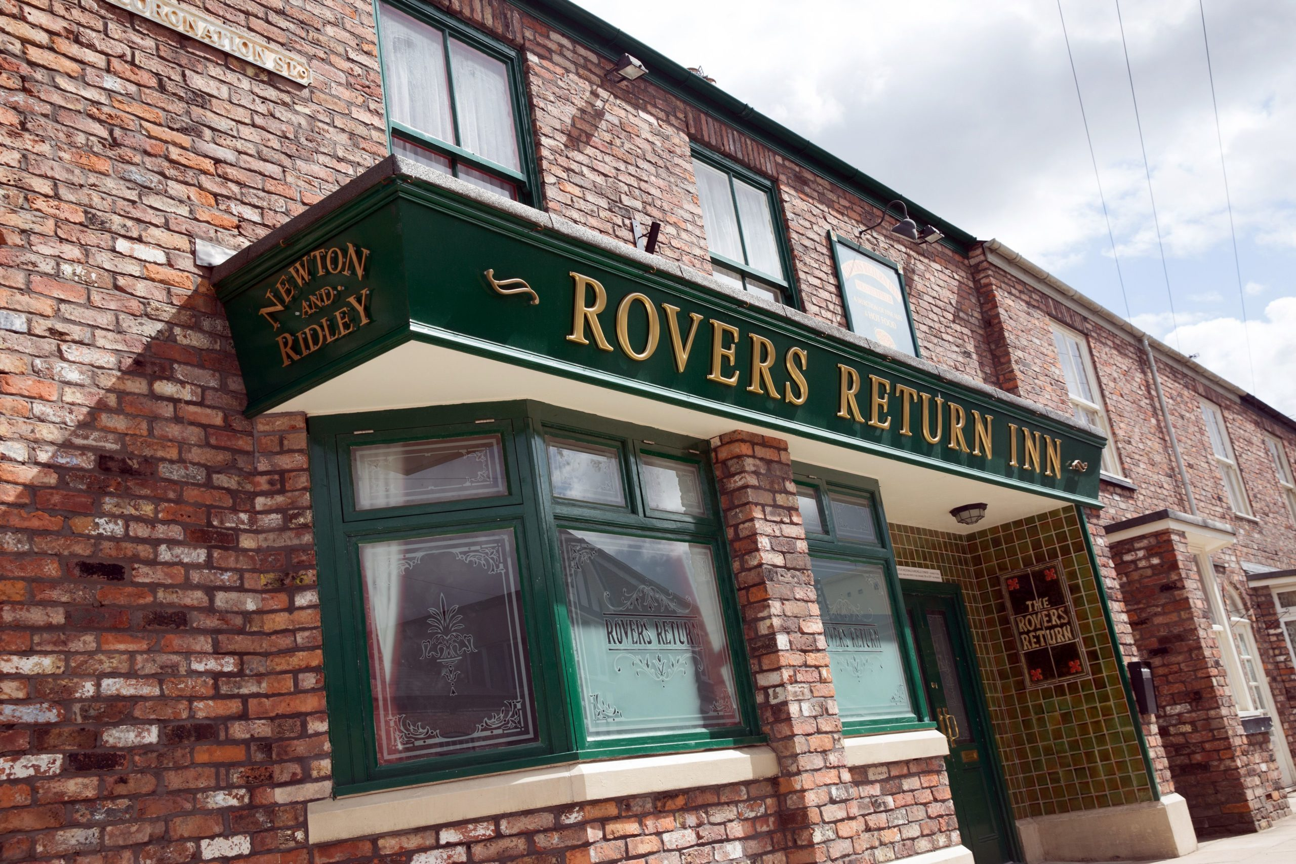 Coronation Street SPOILERS: Sinkhole threatens to destroy the cobbles