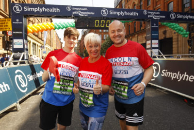 Denise Welch took part in the Simplyhealth Great Manchester Run with husband and son