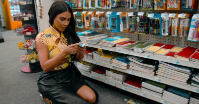 Kim Kardashian chooses pens