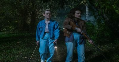 Victoria Pedretti and Amelia Eve (Credit: Netflix)