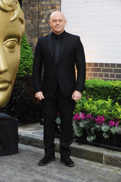 Ross kemp posing on the red carpet