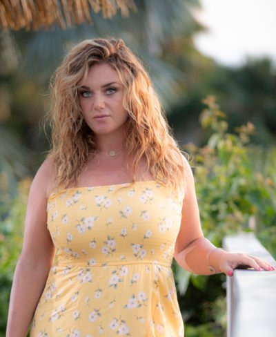 Danielle (FAYE MCKEEVER) in Death in Paradise
