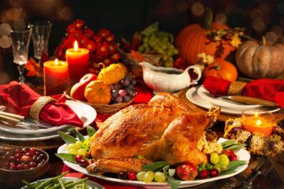 turkey on a christmas dinner setting