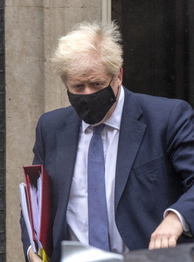 boris johnson wearing a mask