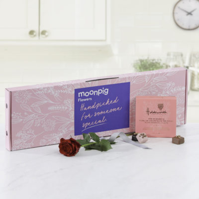 Moonpig valentine's roses and chocs