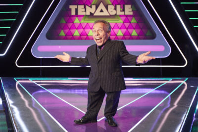 tenable host Warwick Davis