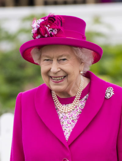 the queen wearing pink