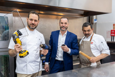 Fred Siriex With Tristan and Cyrus on Snackmasters
