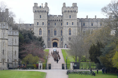 Windsor castle staff getting ready for funeral