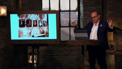 Touker Suleyman attempts to navigate an escape room on Dragons' Den