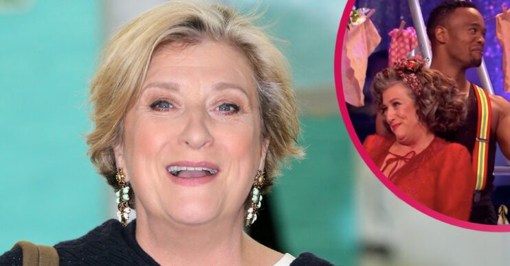 caroline quentin gets naked and goes skinny dipping