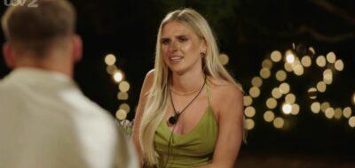 Chloe Burrows meeting her fellow contestants on Love Island
