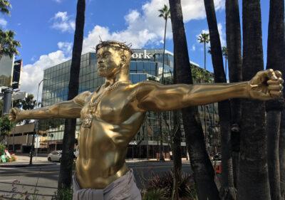 Kanye West statue