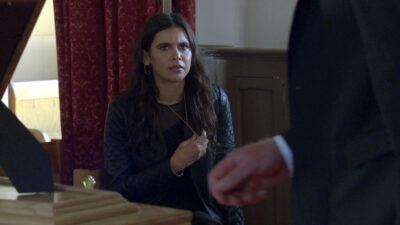 Emmerdale spoilers reveal Meena losing Leanna's ring during the funeral