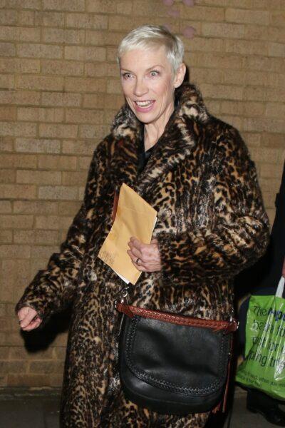 Is Holby City star Amy Lennox who plays Chloe Godard related to Annie Lennox?