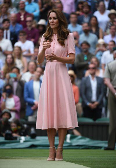 Kate Middleton smiles in pink dress at Wimbledon final