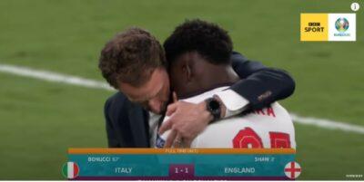 Southgate comforts Saka after missed penalty
